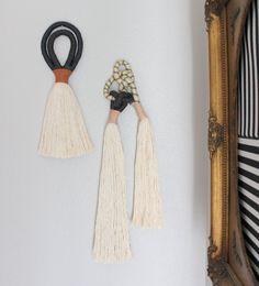 Best 12 Tassels and rope wall hanging – SkillOfKing. Macrame Wall Hanging Patterns, Macrame Patterns, Weaving Projects, Macrame Projects, Diy Tassel, Tassels, Yarn Crafts, Diy Crafts, Weaving Textiles
