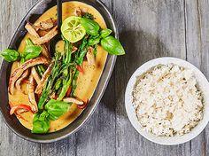 Thai panang curry med oksekød, broccoli og peberfrugt - Opskrift fra Skagenfood.dk