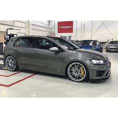 #mulpix Mk7 Golf R Sitting on H&R Springs | Owner: @ash7rr   #HRsprings  #lowered  #vw  #volkswagen  #golf  #golfr  #ozracing