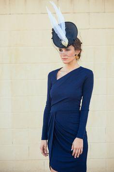 invitada elegante con look completo de lamasmona.com