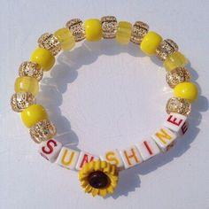 Natural candy bracelet More Source by Rave Bracelets, Pony Bead Bracelets, Candy Bracelet, Pony Beads, Friendship Bracelets, Cute Jewelry, Diy Jewelry, Jewelry Making, Pulseras Kandi