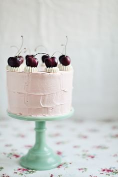 Like the simple but beautiful decoration.  Idea for my Tres Leches cakes.  Cherry vanilla cake with swiss meringue buttercream.