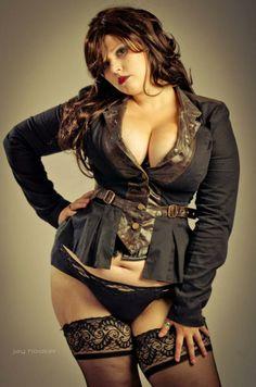 Model: Nira Wolfe - #bbw #lingerie