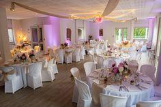Décoration de mariage - Salle, rose, beige, jute, pivoine