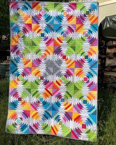Scrap Quilt, Quilt Blocks, Pineapple Quilt Block, Frankfurt Germany, Colorful Quilts, Cabin, Instagram, Modern, Trendy Tree