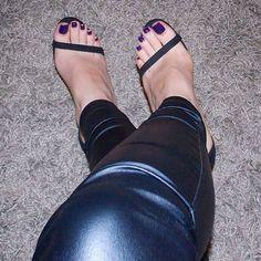 Absolutely beautiful feet