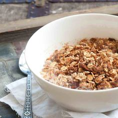 1. Homemade Granola With No Refined Sugars #healthy #granola #recipes http://greatist.com/eat/homemade-granola-recipes-that-are-healthy