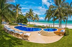 Check out this amazing Luxury Retreats beach property in Punta Mita, with 12 Bedrooms and a pool. Browse more photos and read the latest reviews now.