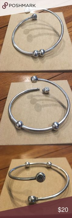 Camilla Bracelet Silver bracelet with two ball stoppers and twist off end, Camilla brand. Camilla Jewelry Bracelets