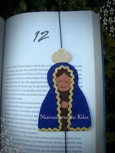 Que Nossa Senhora Aparecida abençoe a todos nós!       Envio para todo o Brasil e você pode encomendar o seu pelos seguintes canais:     F... Christmas Crafts For Kids, Felt Christmas, Christmas Ornaments, Ccd Activities, Fun Crafts, Diy And Crafts, Faith Crafts, Book Markers, Felt Patterns