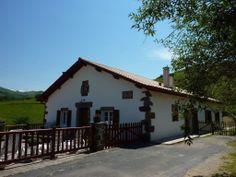 SARAHANDIA  G133038    dans Les Pyrénées Atlantiques - Gites de france Gîte pour 15 personnes avec 5 chambres à LES-ALDUDES,  Pyrenees Pays Basque A 17 km de St Etienne de Baigorry Idéal grande famille