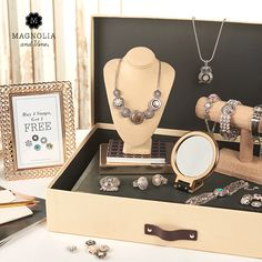 Custom snap jewelry. Host a party. Learn more at magnoliaandvine.com