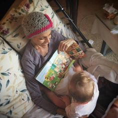 Joey and Indiana Feek reading