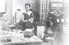 Concurso Regale la Rueda al Carro.  En la imagen Nestor Luis Negrón y Cecilia Martínez. 1953. (Cortesía RCTV)