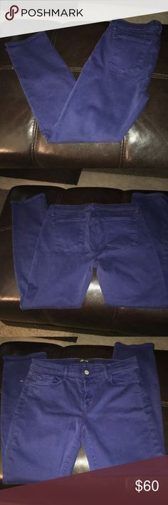 J brand cropped rail blue print jeans 29 Cute, comfy, lightly pre-loved J-brand cropped rail, blue print jean. Super cute, really comfy. In great condition! J Brand Jeans Ankle & Cropped