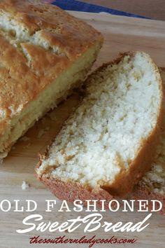 Como fazer pão doce à moda antiga - The Southern Lady Cooks - . Quick Bread Recipes, Easy Bread, Baking Recipes, Sweet Recipes, Dessert Recipes, Sweet Bread Machine Recipes, Sweet Bread Loaf Recipe, Coffee Bread Recipe, Crack Crackers