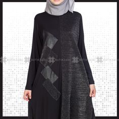 Leather Detailed Silvery Tunic with Square Pattern - Fashion Clothing 2019 Abaya Fashion, Muslim Fashion, Fashion Outfits, The Dress, High Neck Dress, Pattern Fashion, Chiffon, Tunic, Abaya Style