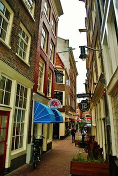 everything-europe: Narrow Street, Amsterdam, The Netherlands