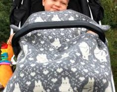 Bilderesultat for moomin knitting pattern Crochet Books, Knit Crochet, Fair Isle Knitting Patterns, Tove Jansson, Double Knitting, 4 Kids, Knitted Blankets, Baby Patterns, Baby Car Seats