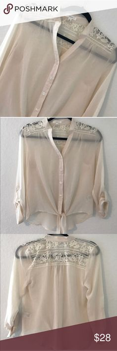 LACE & CHIFFON TOP 💗Condition: EUC, No flaws 💗Smoke free home 💗No trades, No returns 💗No modeling  💗Shipping next day 💗I LOVE OFFERS, offer me! 💗BUNDLE and save more 💗All transactions video recorded to ensure quality.  💗Ask all questions before buying (item72) edge australian brand Tops Blouses