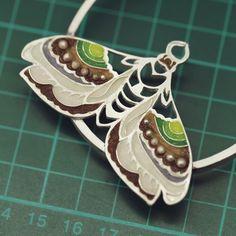 Emaliowana biżuteria - kolekcja barwnych motyli - Sztuk Kilka - Marta Norenberg Lapis Lazuli