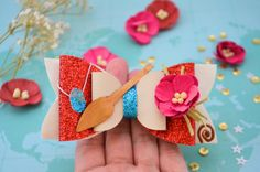 Check out our moana bow selection for the very best in unique or custom, handmade pieces from our barrettes & clips shops. Diy Bow, Diy Ribbon, Festa Moana Baby, Barrettes, Hairbows, Maui, Disney Hair Bows, Princess Hair Bows, Hand Painted Fabric