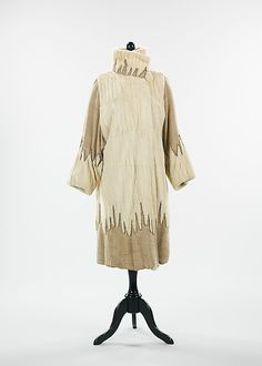 Evening coat, 1925, Stein and Blaine, silk, rhinestones, fur, metallic