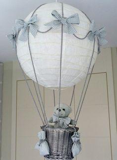 Lámpara globo con osito para cuarto de bebe en gris. | teddy bear balloon lamp for a beautiful nursery #handmade #hechoamano
