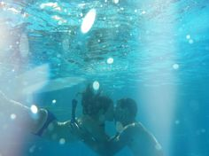 Cute underwater picture idea with your bf
