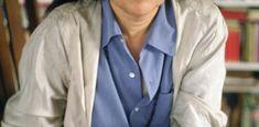 Vidas de una mujer con influencia - 07/06/2017 - Clarín.com Susan Sontag, Glamour, Raincoat, Jackets, Fashion, Literatura, Life, Women, Rain Jacket