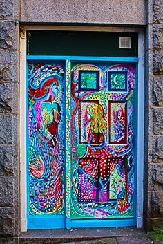 That's what I call a colorful door