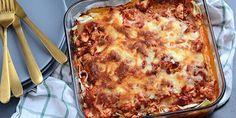Denne lækre lasagne med kylling er ikke bare nem at lave, den smager også helt forrygende, og er et garanteret hit hos både store og små.