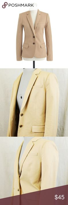 """J. CREW women's Thompson blazer size 8 Beige EUC J. Crew / Size: 8 / Style #A0361 Retails for $178 / Tailored for a fitted look. Hits at hip. Notch collar with felt undercollar. Chest pocket, welt pockets, interior pockets. Functional buttons at cuffs. Back vent. Lined.  Hint of stretch. 58% cotton, 38% viscose,4% spandex; lining 100% poly. Dry clean. / Length: 24 3/8"""". Sleeve: 32"""". / Condition: Like new- appears new, no signs of wear.  Free of odors, stains, rips, or snags./ Smoke free…"""