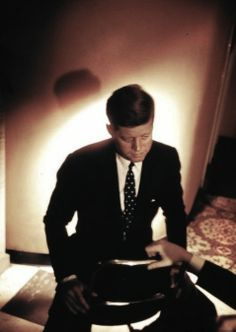 John Fitzgerald Kennedy  35th President of the United States In office January 20, 1961 – November 22, 1963 ❤❤❤❤❤  http://en.wikipedia.org/wiki/John_F._Kennedy