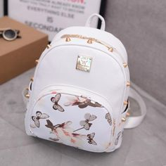 2017 The roses Printing Women's Rivet Leather Backpack Girls Schoolbags For Teenagers Ladies Travel Backpacks Mochila New Stylish Backpacks, Cute Backpacks, Girl Backpacks, Small Backpack, Mini Backpack, Floral Backpack, Rucksack Backpack, Leather Backpack, Pu Leather