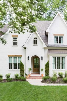Hilltop Home Reveal: Off White Exterior + Aesthetic White Painted Brick Home  + Catslide Roof