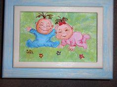 Caixa de recordações bebé pintada em quadrilé.