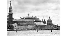 Le grandi navi fotografate da Gianni Berengo Gardin sull'asse Milano-Venezia