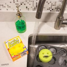 All sponges are not created equal. The Scrub Daddy can clean what no other sponge can — everything. Use it to clean everything from appliances and tile to pool surfaces and the wheels of your car without leaving any scratches!