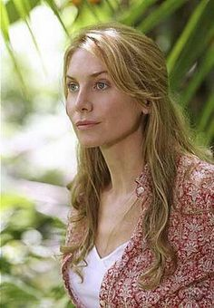 Elizabeth Mitchell - lost, Santa clause, revolution. Great actress, and stunning too!
