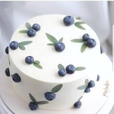 YES OR NO? 😉 Blueberries cake by Christina Keiser.baker this cake is very si… YES OR NO? 😉 Blueberries cake by Christina Keiser.baker this cake is very simple but i love its original lol 😭😭 Pretty Cakes, Beautiful Cakes, Amazing Cakes, Stunningly Beautiful, Food Cakes, Cupcake Cakes, Cake Fondant, Sweets Cake, Bolo Original