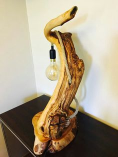 Olivewood table lamp - Nidanin Woodwork