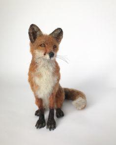 Needle felted fox sculpture Needle Felted Animals, Felt Animals, Needle Felting, Fox Squirrel, Felt Fox, Felt Crafts, Creatures, Textiles, Easter