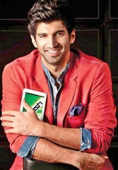 Aditya Roy Kapoor, he should definitely do more movies and have me as a lead…