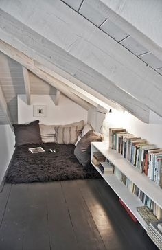 - podkrovní koutek........ - attic nook............. (The Design Chaser: Civico…