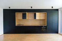 дневник дизайнера: Функциональная встроенная мебель в современной квартире в Словении