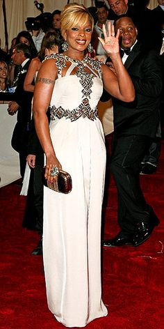 MARY J. BLIGE IN GUCCI - 2011MG