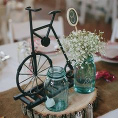 Mason Jar Centerpiece | Photo by: Bryan and Mae