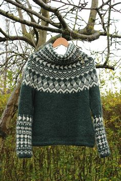 nix cowl__ a crewneck Fair Isle Knitting Patterns, Knitting Designs, Knitting Stitches, Knitting Yarn, Knit Patterns, Hand Knitting, Crochet Woman, Knit Crochet, Icelandic Sweaters