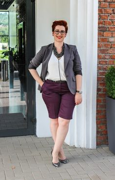 Short pants can be easily integrated in your #officeoutfit #plusisizefashion